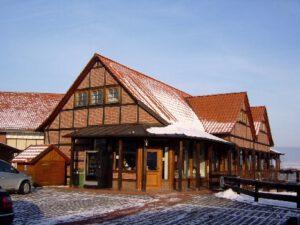 Ladenzeile Luhden bei Schnee